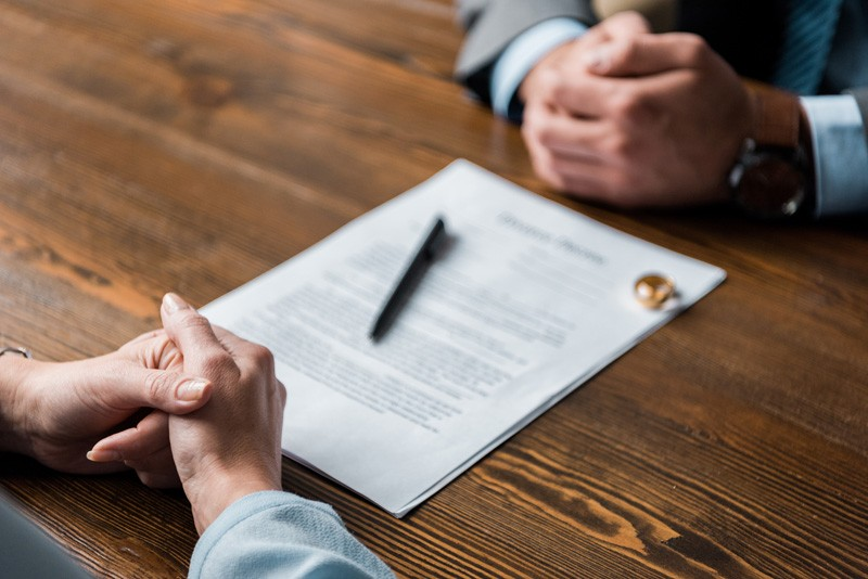 How to Choose Your Divorce Lawyer